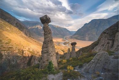 Stone mushrooms. Altai, Chulyshman. Russia